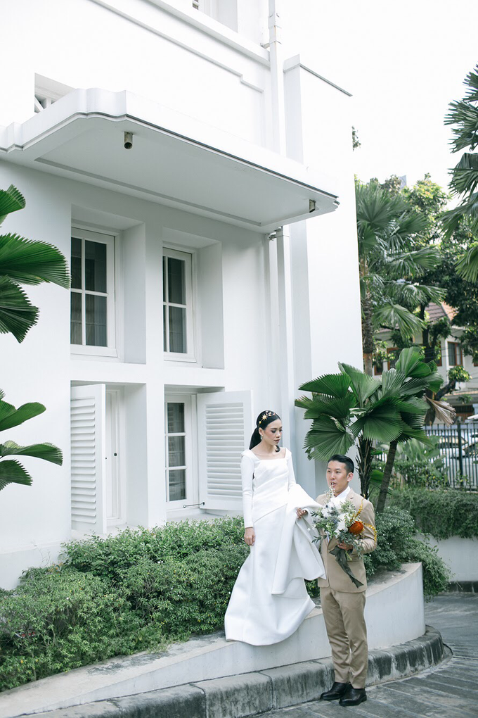 Classic White Wedding of Rio & Jess by Elsie Chrysila Brides - 032