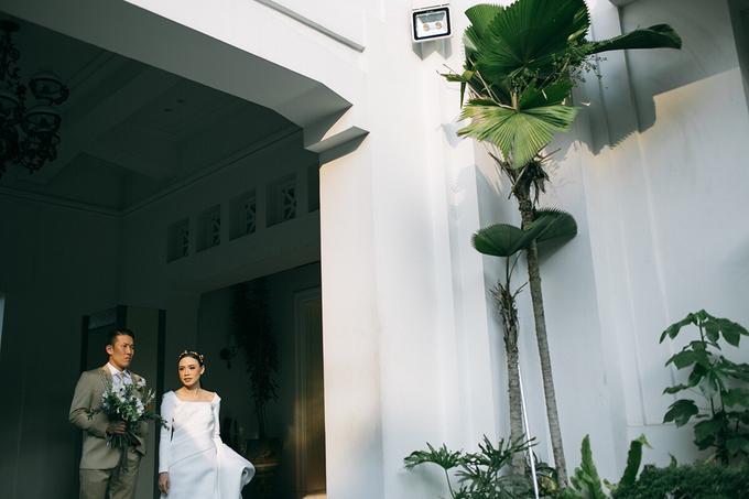 Classic White Wedding of Rio & Jess by Elsie Chrysila Brides - 033