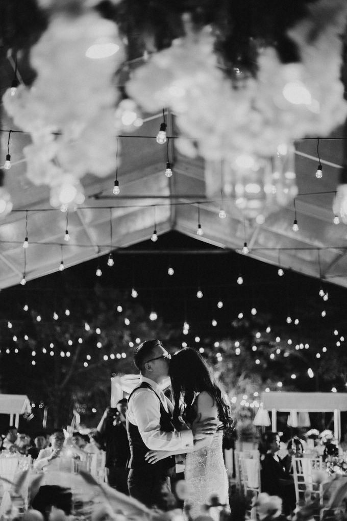 Minimalist & Classic Decoration by Bali Izatta Wedding Planner & Wedding Florist Decorator - 005