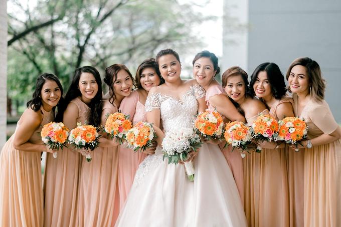 Bride Trishia and her entourage by Emil Ocampo Fashion House - 006