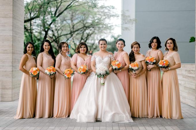 Bride Trishia and her entourage by Emil Ocampo Fashion House - 007