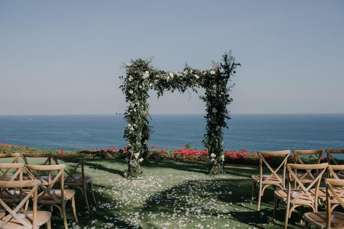 Lisa & Alessio Wedding by THE UNGASAN CLIFFTOP RESORT BALI - 007