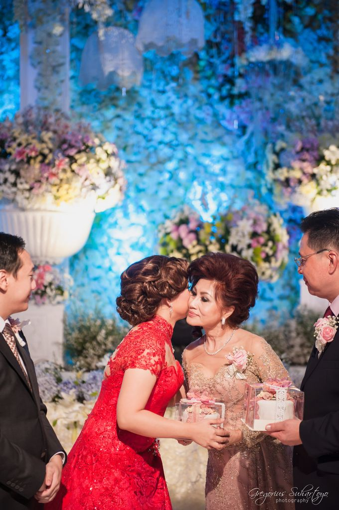 Floral Engagement of Han & Marlyn by Gregorius Suhartoyo Photography - 045