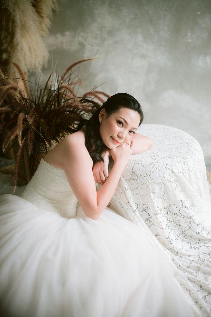 Prewedding Makeup by Junie Fang Makeup Artist - 004