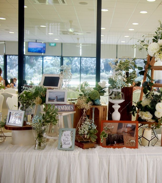 A Rustic Botanical Wedding at Hort Park by Manna Pot Catering - 004
