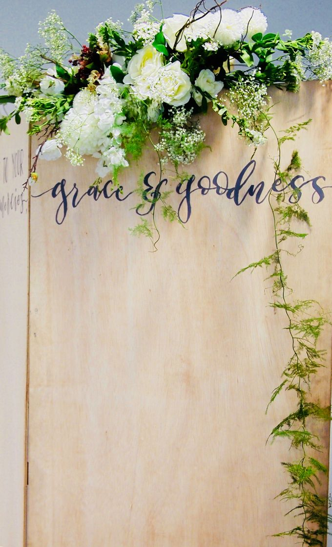 A Rustic Botanical Wedding at Hort Park by Manna Pot Catering - 008