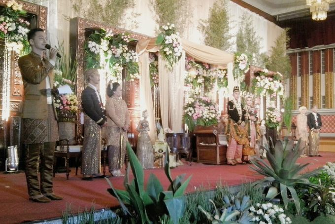 Wedding Reception By ArTez Wedding Organizer by Chanzy Fauzi MC - 004