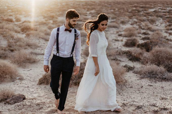 Miriam and Eduardo in La Graciosa by Erik Winter - 001