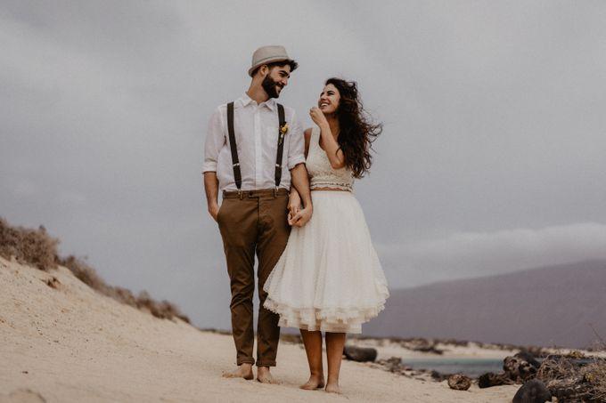 Miriam and Eduardo in La Graciosa by Erik Winter - 011