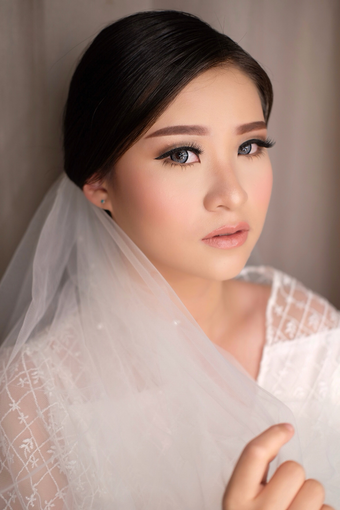 Wedding Look for Ms Meisie by Erliana Lim Makeup Artist - 009