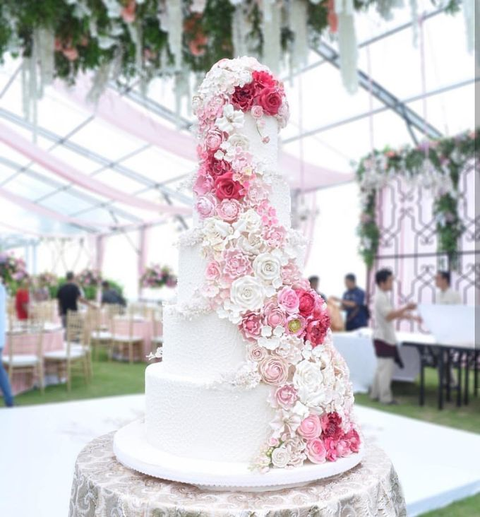 5 & 6 Tiers Wedding Cake by LeNovelle Cake - 002