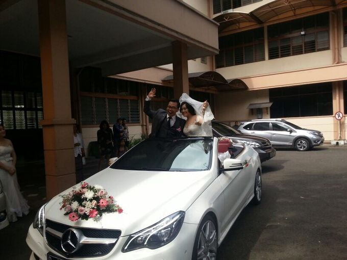 White Mercedes Cabriolet by sapphire wedding car - 003