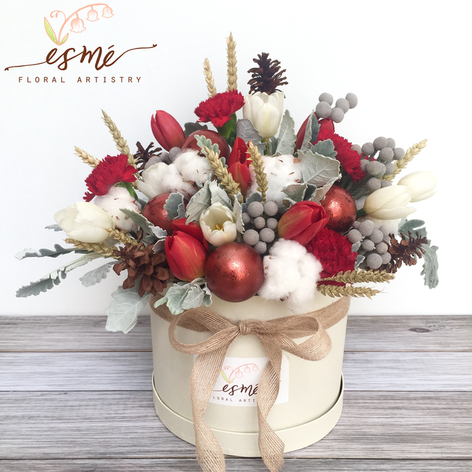 Christmas by Esme Floral Artistry - 003