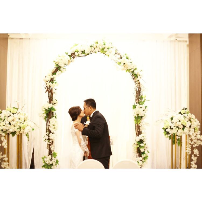 The Wedding of David & Louisa by Priceless Wedding Planner & Organizer - 009