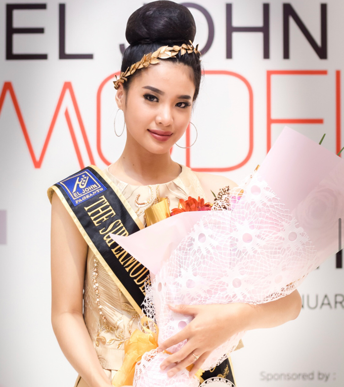 Gown for El John Modeling Competion by Esselia_Atelier - 006