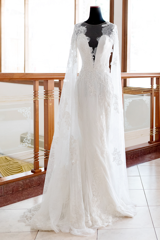 Wedding Gown by Etre Atelier - 005