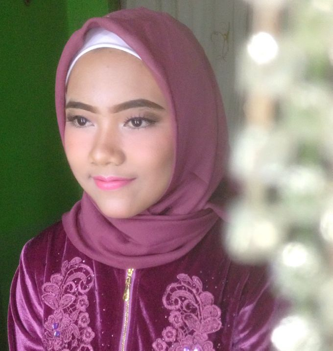 Graduation Makeup by Tiyas Makeup - 036