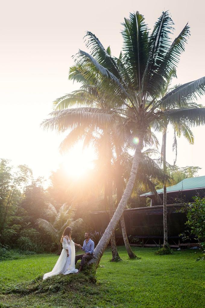 Rush & Anna's Hawaiian Paradise Wedding  by Explore in Love Adventure Wedding Photography - 004