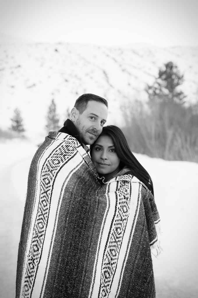 Mammoth Engagement session with Lucy & Brian  by Explore in Love Adventure Wedding Photography - 004
