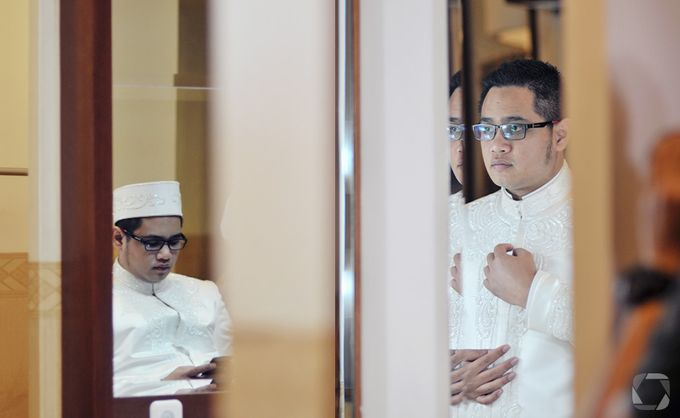 The Wedding of Sally + Rizky by The Move Up Portraiture - 012