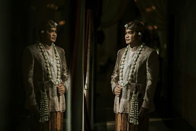 The Wedding Of Ayu + Agung by Wong Akbar Photography - 005