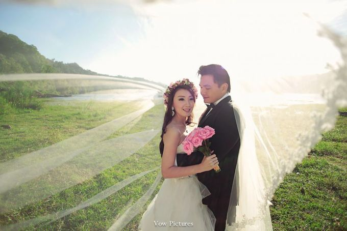 Truly Madly Deeply - Hendratama and Anastasia Prewedding by Antony by Vow Pictures - 006