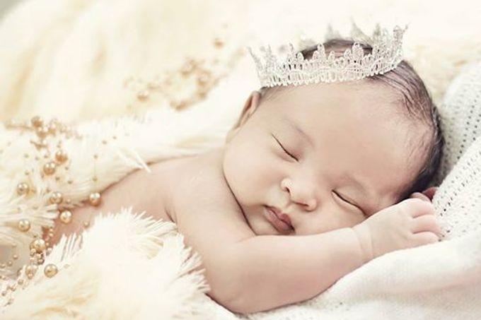 Tambahkan ke board sweet baby newborn by deluv photography videography 002