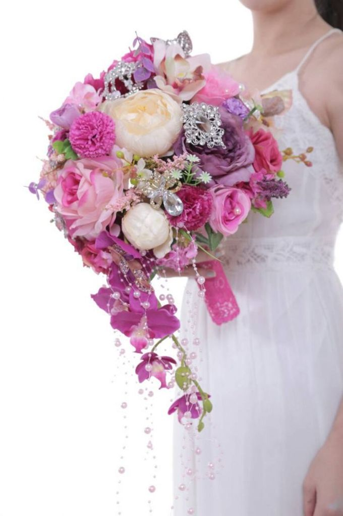 ENCHANTED WEDDING BOUQUET by LUX floral design - 029