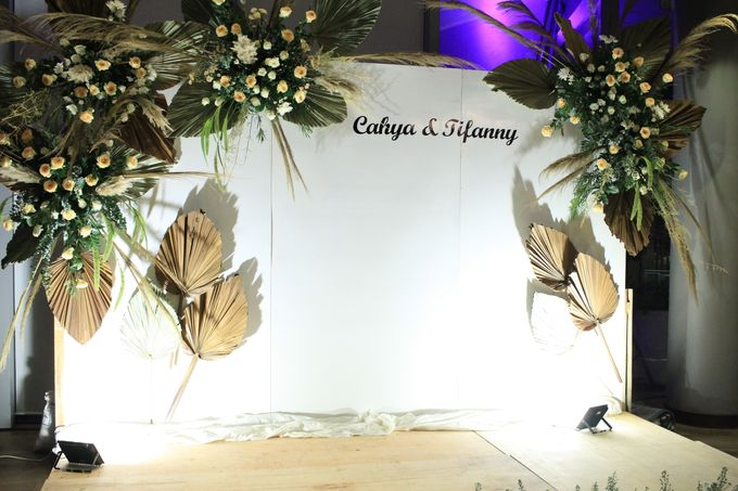 Entertainment Wedding Intimate Double Tree Jakarta - Double V entertainment by Anthony Stevven - 004