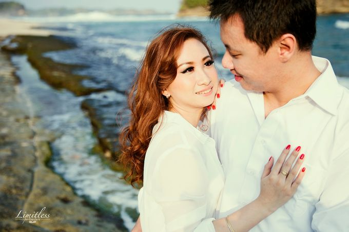 HENDY AND AMEL ENGAGEMENT PHOTOSHOOT by limitless portraiture - 010