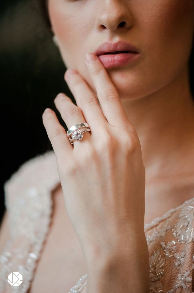 Brilliant Diamond Ring Fall Bridal Editorial by Ocampo's Fine Jewellery - 001