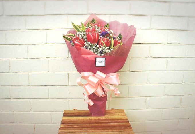 Hand Bouquets Flower Gift Box By Flora Woods Bridestory Com