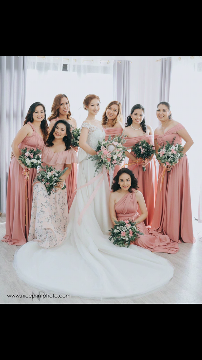 Fascino Entourage Gowns by Fascino Luxewear | Bridestory.com