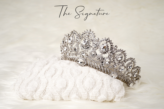 Crown by  'The Signature' by Faye Wedding - 003