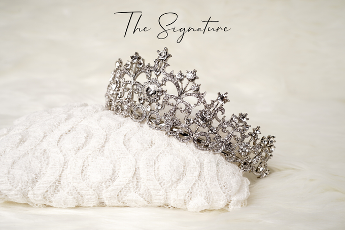 Crown by  'The Signature' by Faye Wedding - 002