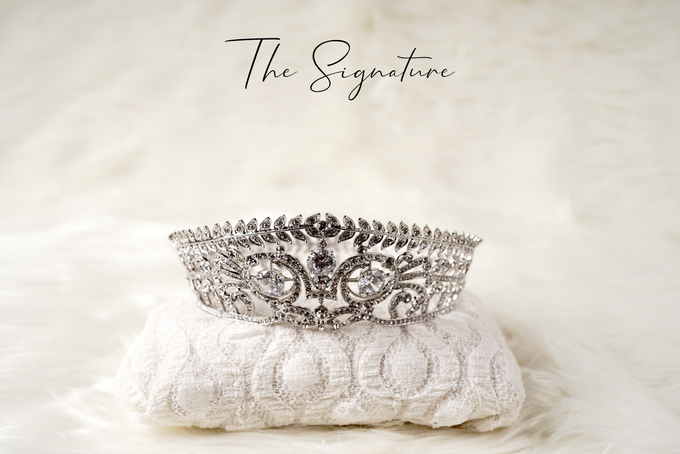 Crown by  'The Signature' by Faye Wedding - 006