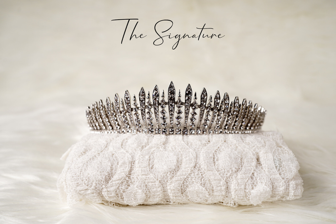 Crown by  'The Signature' by Faye Wedding - 007