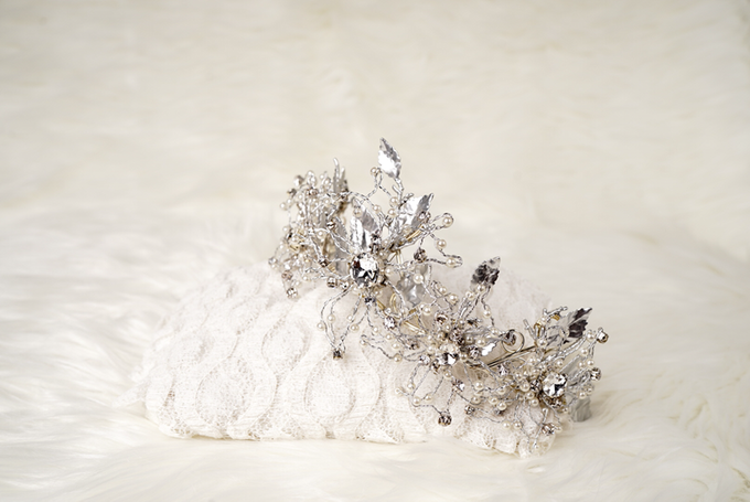 Crown by  'The Signature' by Faye Wedding - 009