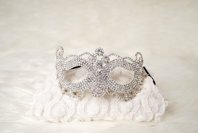 Crown by  'The Signature' by Faye Wedding - 008