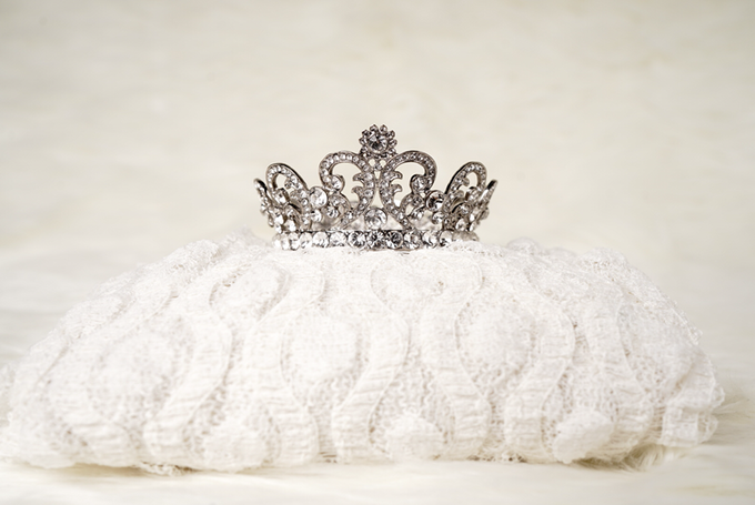 Crown by  'The Signature' by Faye Wedding - 021