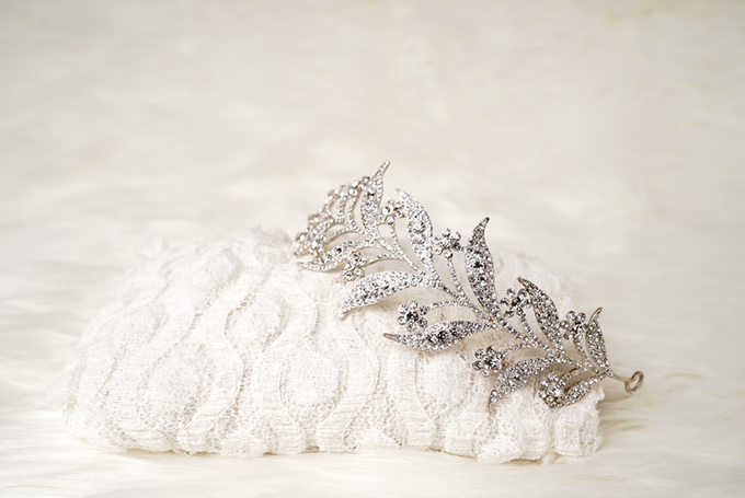 Crown by  'The Signature' by Faye Wedding - 019