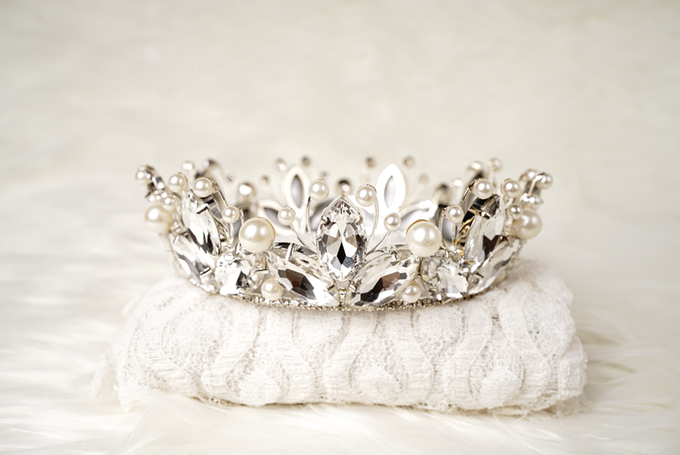 Crown by  'The Signature' by Faye Wedding - 026