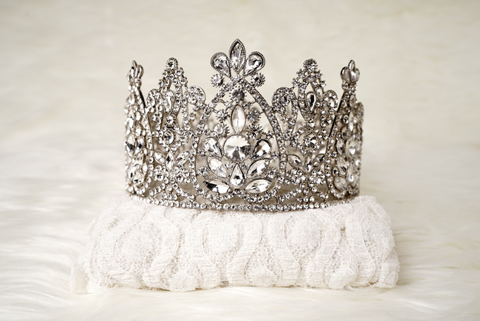 Crown by  'The Signature' by Faye Wedding - 037