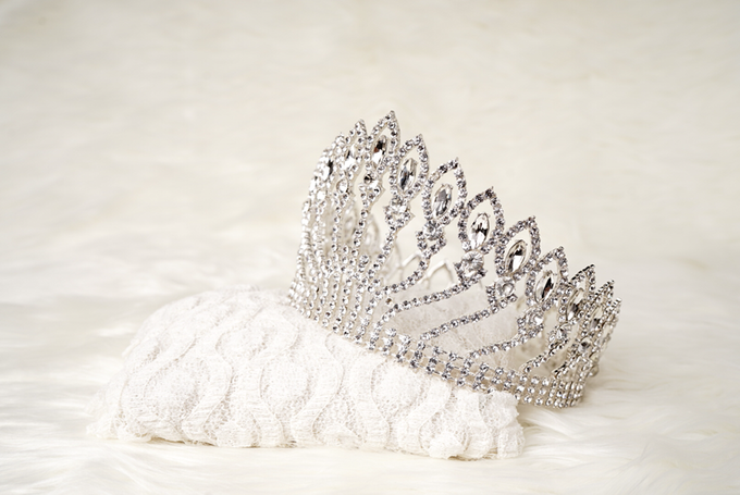 Crown by  'The Signature' by Faye Wedding - 036