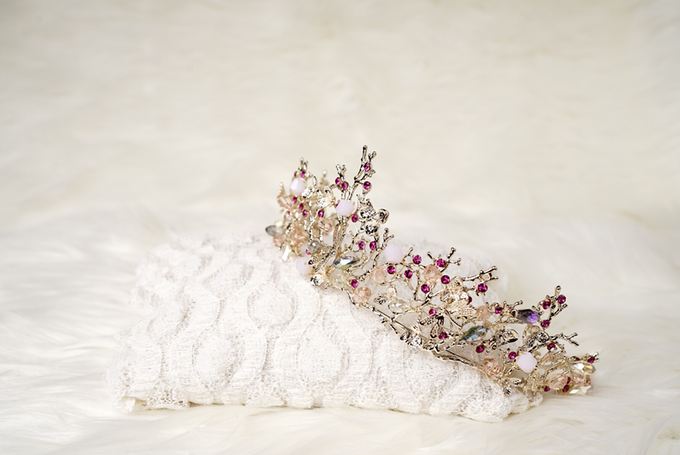Crown by  'The Signature' by Faye Wedding - 046
