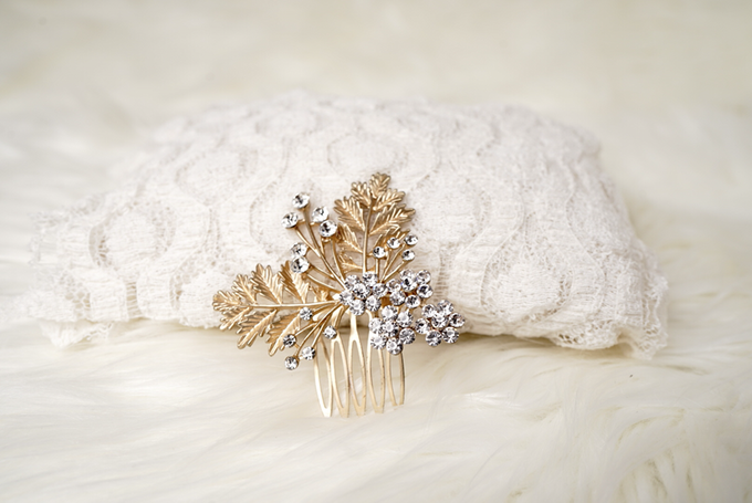 Crown by  'The Signature' by Faye Wedding - 048