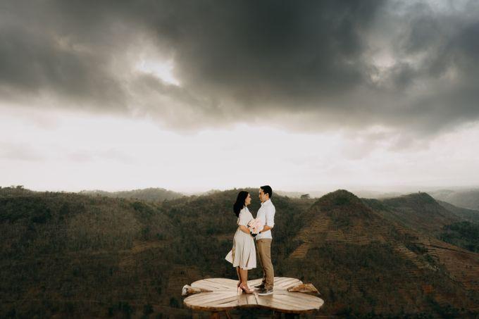 Postwedding of Ayu & Ario by Thecoupleideas Photo - 001