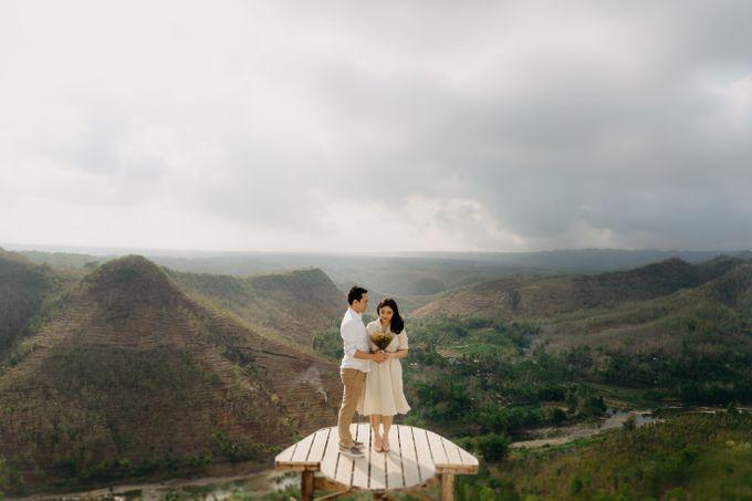 Postwedding of Ayu & Ario by Thecoupleideas Photo - 010