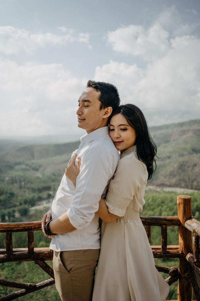 Postwedding of Ayu & Ario by Thecoupleideas Photo - 003