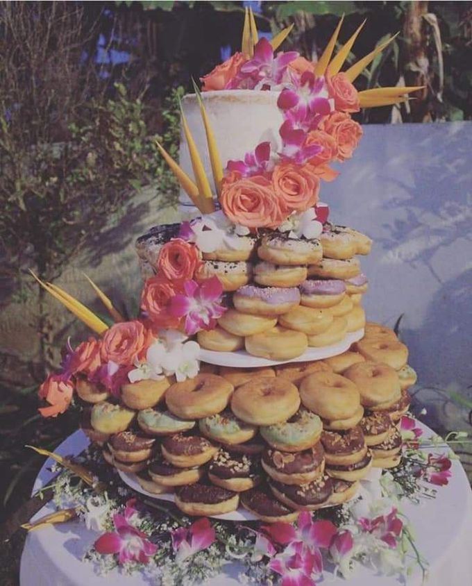 The Wedding Cake Of John & Delaney by Moia Cake - 002